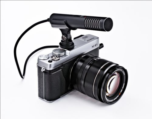 Fujifilm X-E1 with microphone