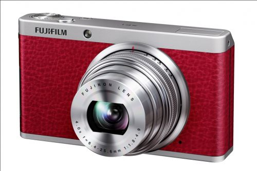 06_Fujifilm_XF1_Red_Front_Left_Wide